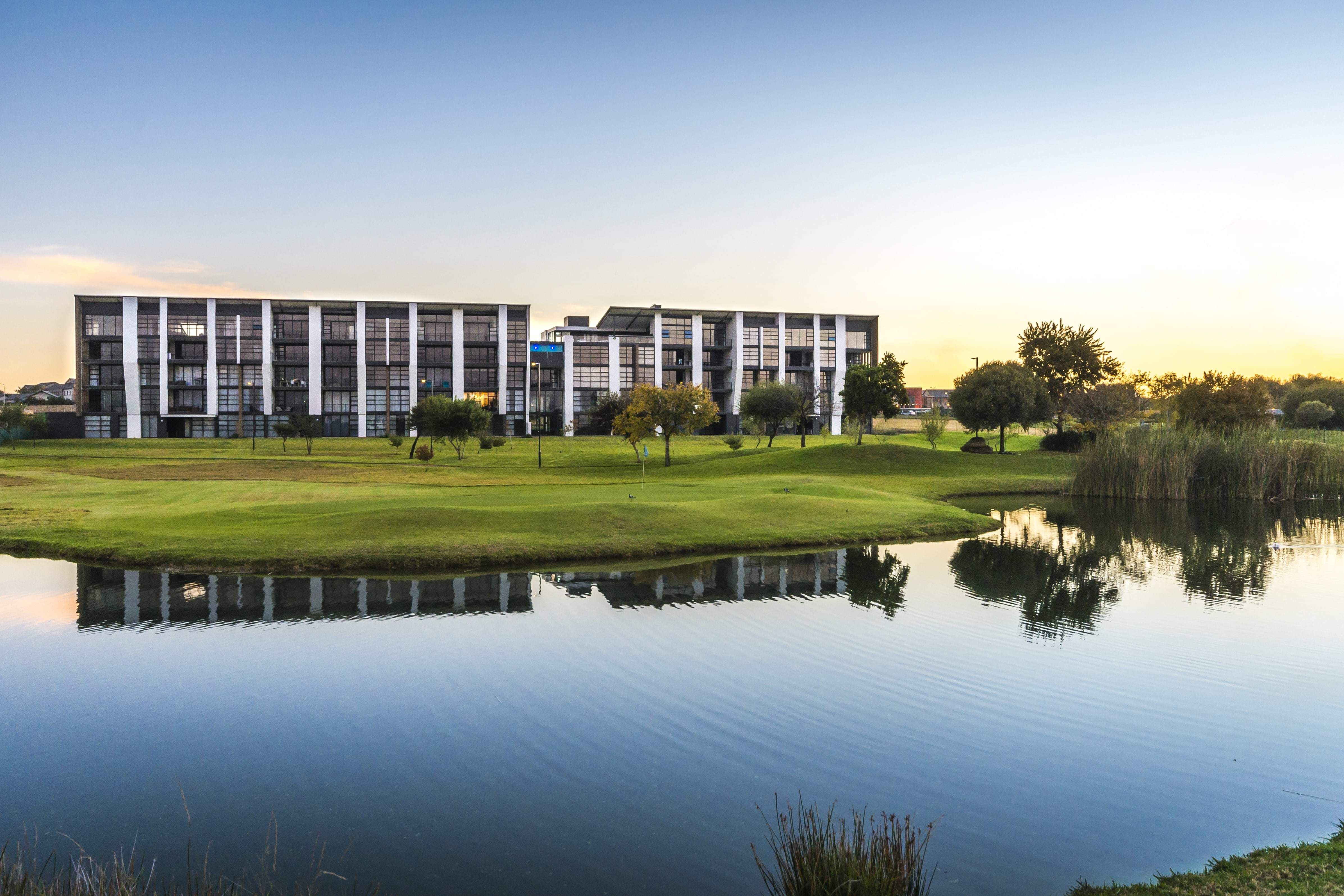 Ascend Easy Living On The Greens Min